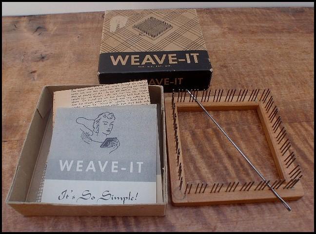 "Donar Weave It 4"" Wood Weaving Loom w Instructions Needle & Box"
