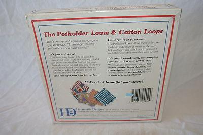 Harnsville Traditional Pot Holder Loom & Cotton Loops