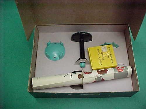 Knit Wit Handicraft Unit Weaving Kit w/Original Box & Crazy Winder