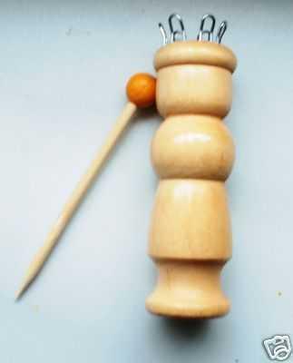 Strickliesel Strickpuppe Holz Anleitung 3,5cm Durchm. mit 6 Haken