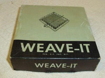 "WEAVE-IT Donar Weaving Hand Loom Needle Celluloid Plastic 4.5"" Craft"