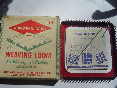 Woolworth 8'' METAL WEAVING LOOM in original box w/booklet